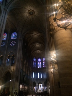 notre-dame-interior-paris-france