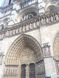 pari-s-notre-dame-exterior-arch