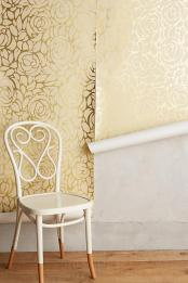 anthropologie-glam-metallic-floral-wallpaper