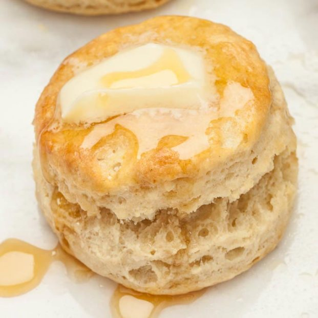 buttermilk-biscuits-chew-out-loud-the-fleur-and-flour