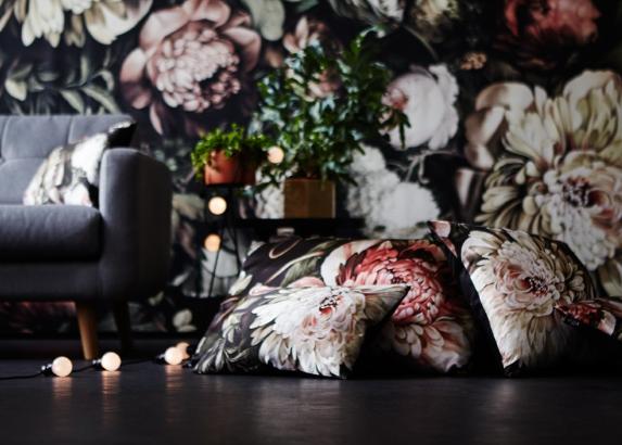 ellie-cashman-floral-wallpaper-1