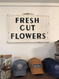 magnolia-fresh-cut-flower-sign