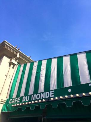 nola-cafe-du-monde